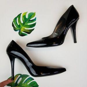 Stuart Weitzman patent leather pointed heel